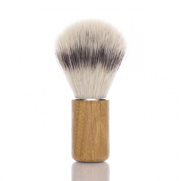 RMK Solingen Rasierpinsel mit Griff aus Eichenholz Frontalansicht vom Rasierpinsel